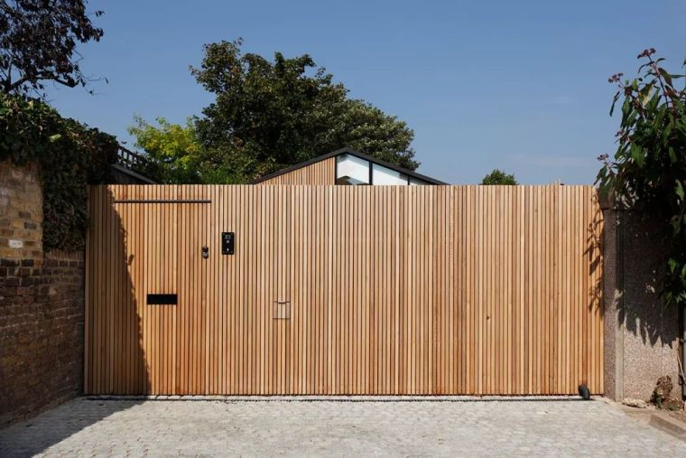伦敦:由储物棚改造的住宅,却有着让你忘记时间、地点的舒缓魅力