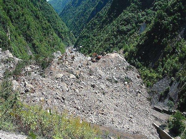 地质灾害防治工程施工技术要点ppt版(共145页)