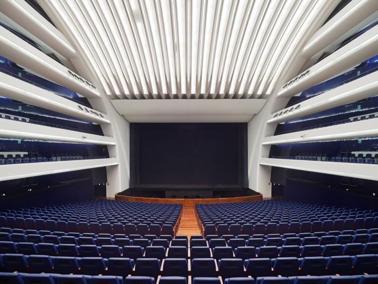 西班牙含苞绽放的瓦伦西亚歌剧院-9