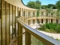带有热带建筑记忆的法国驻海地大使馆 / Explorations Architectu