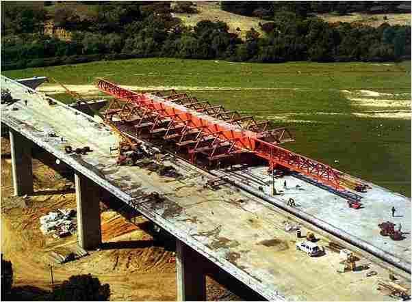 桥梁桥涵施工技术之十八移动模架法施工(35页)