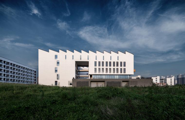 安徽大学艺术与传媒学院美术楼-2
