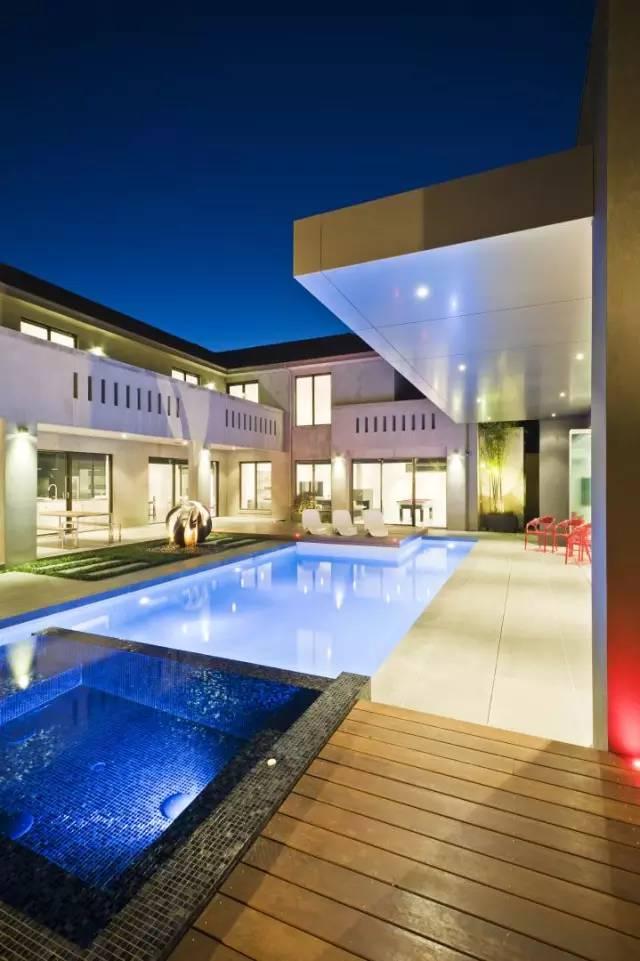 赶紧收藏!21个最美现代风格庭院设计案例_137
