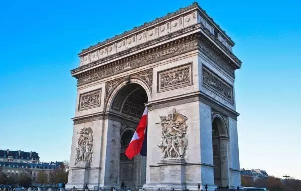全球50个地标性建筑,认识10个就算你合格!-凯旋门(法国•巴黎).jpg
