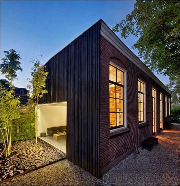 由马厩改造而成的住宅工作室