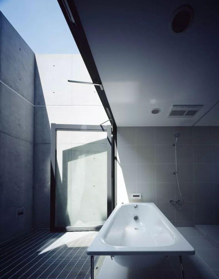 把自然带入私密空间:25个开放浴室设计