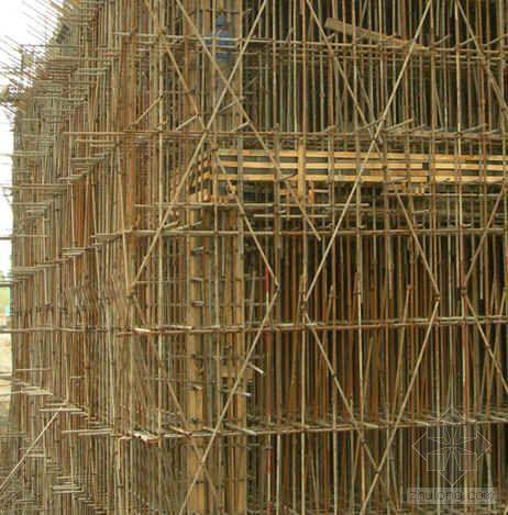 扣件式钢管脚手架在高大模板工程支撑中的应用