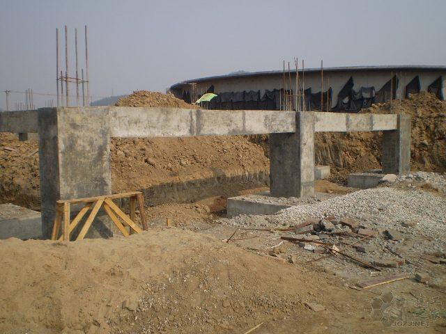 什么时候设置基础梁、地框梁和基础拉梁?