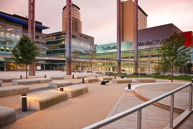 英国媒体城户外空间景观设计_4