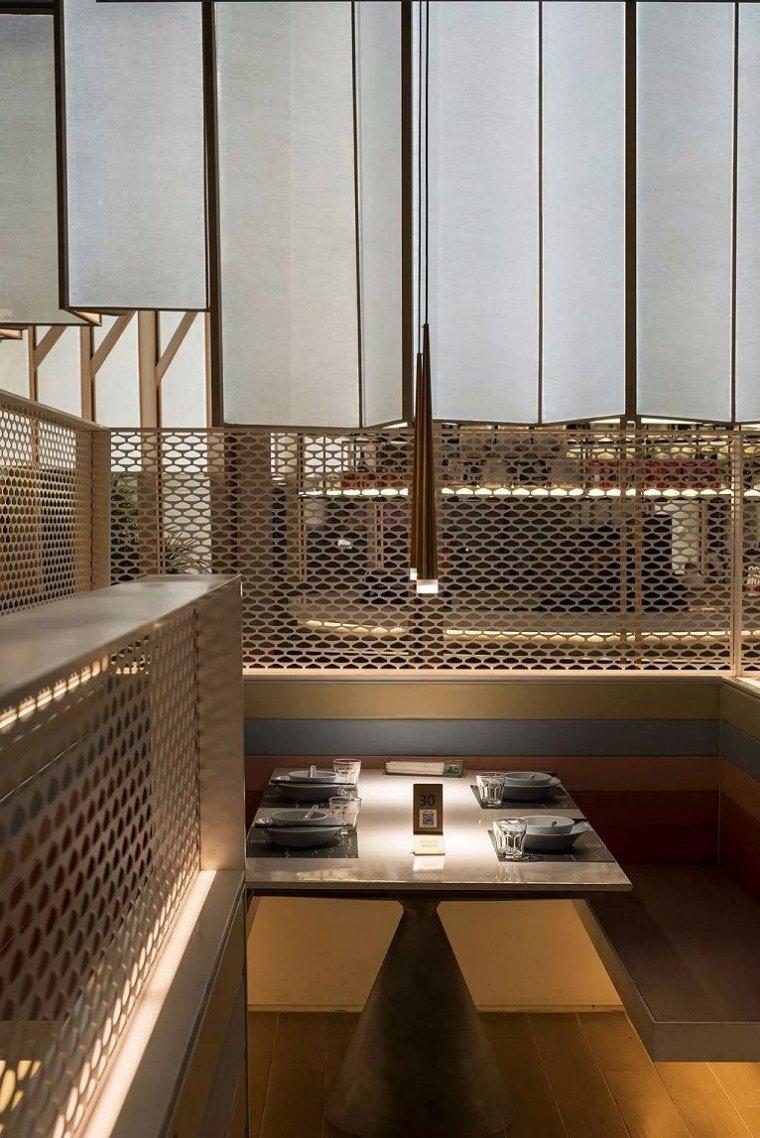 亲橙里外婆家与炉鱼餐厅室内实景图 (2)