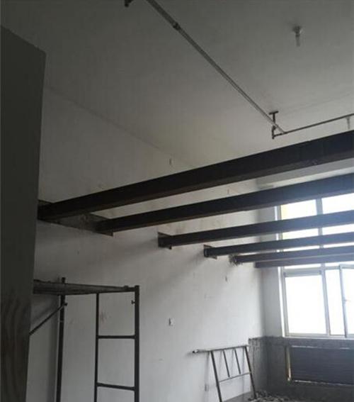 复式公寓的二层不见了 欣德远景称正在搭建