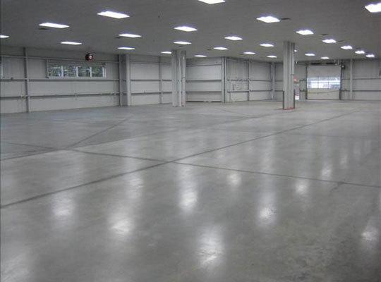 仓库铺设耐磨地坪的好处