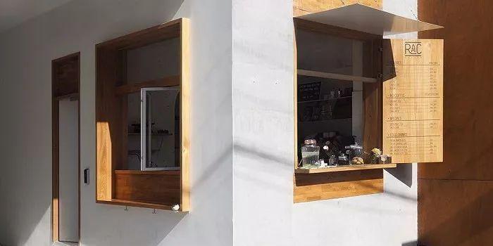 纯正的法式风味:上海保安亭改造RAC酒吧咖啡厅设计