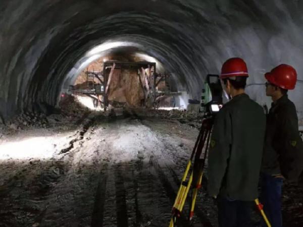 延崇ZT3项目部杏林堡隧道超计划累计完成进尺1000米-Snap6