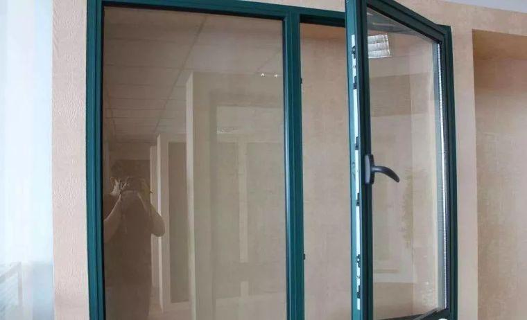 双层玻璃中间有水汽怎么办?_1