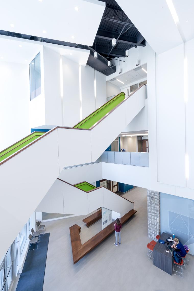 西安大略大学护理学院与信息媒体研究院教学楼-12