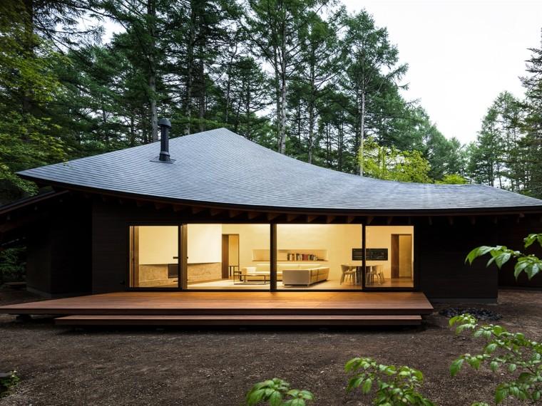 日本密林中的四叶别墅