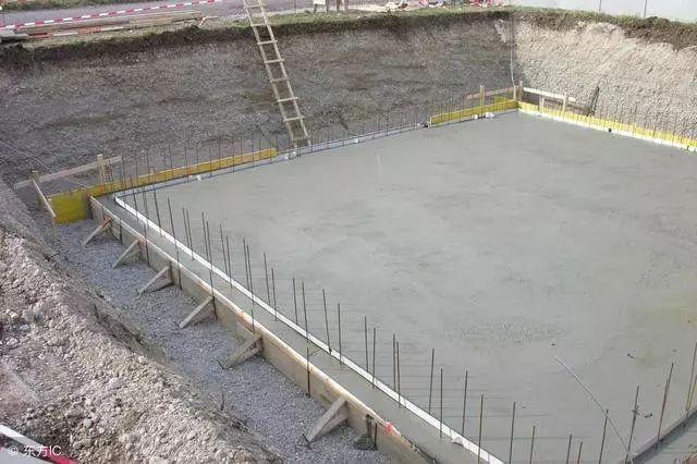 混凝土养护不懂?