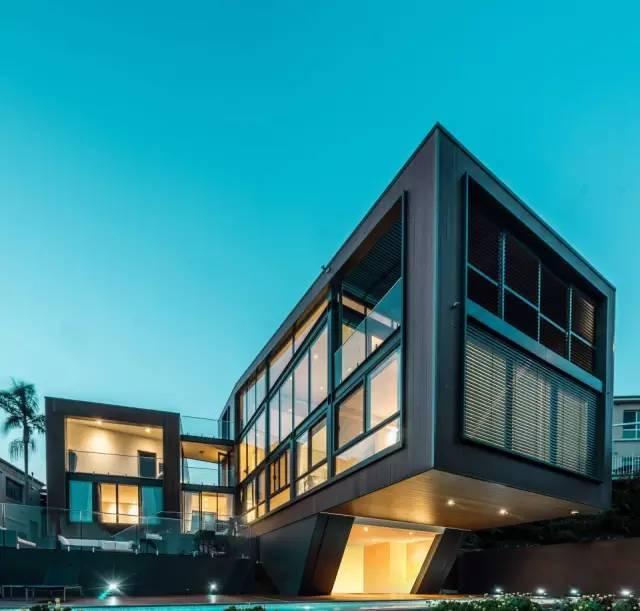 面朝大海,春暖花开!玻璃钢结构打造的超豪华别墅