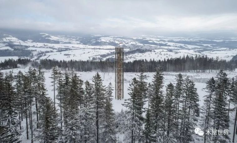 山顶上的松木方尖碑|Kraličák瞭望塔