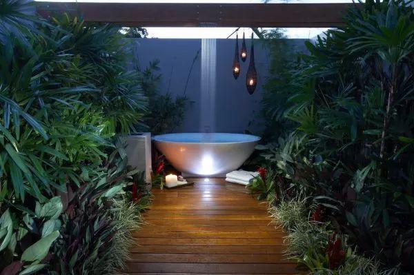 一流的淋浴房原来长这样,果然贫穷限制了我的想象力