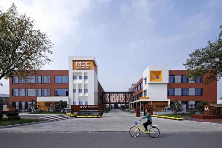旭日当照,日照工业设计中心改造设计/上海善祥建筑设计