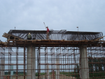 双柱式桥墩盖梁施工方案比选