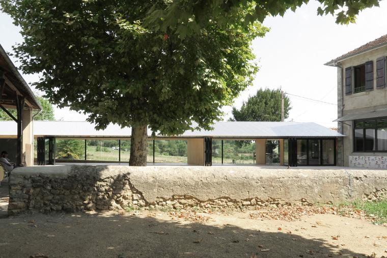 法国简洁木结构的学校食堂扩建-1