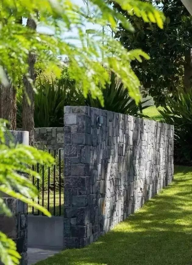 用心设计过的围墙,能让你家小院瞬间与众不同!_33