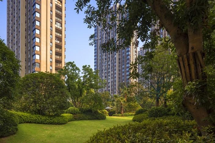 杭州融创瑷颐湾住宅景观的实景图 (1)