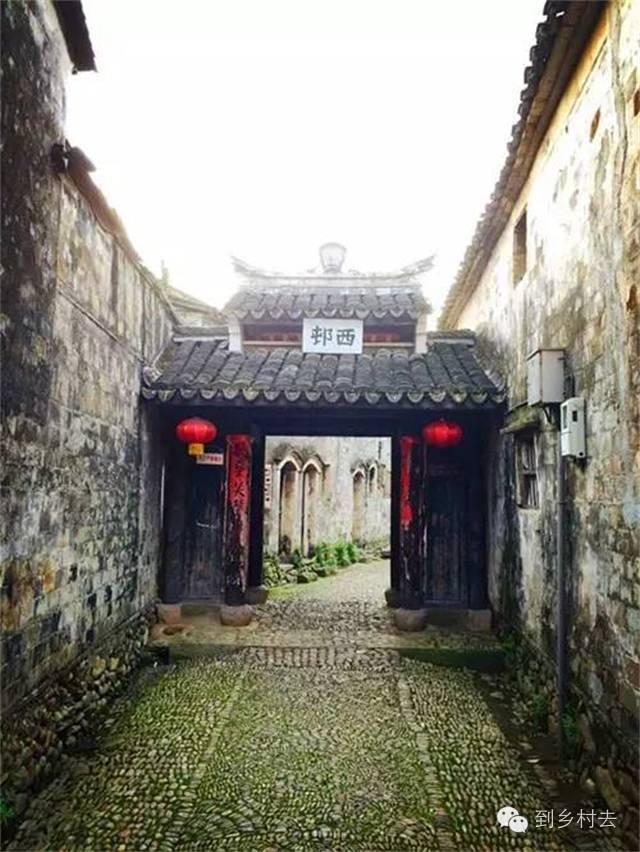 设计酱:忘记乌镇、西塘、周庄吧!这些古镇古村,很美很冷门!_34
