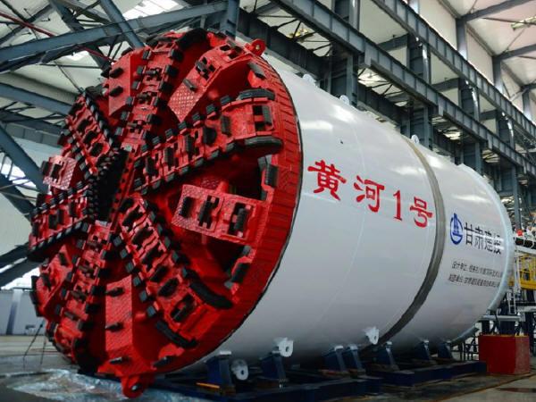 浅论Φ88大直径土压平衡盾构机的维护保养要素