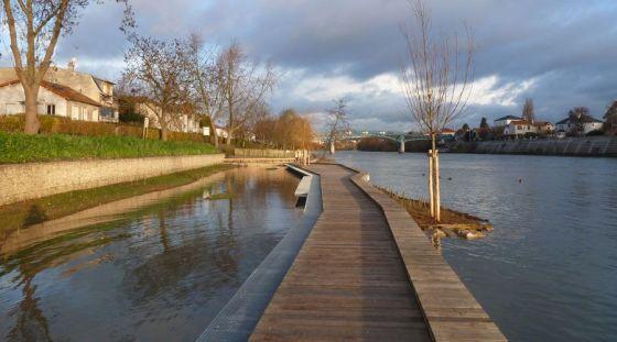 法国马恩河畔莱佩尔勒Perreux河岸景观设计