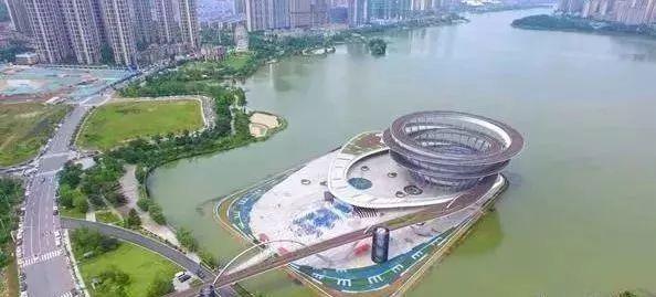 BIM助力全球最大双螺旋钢结构!