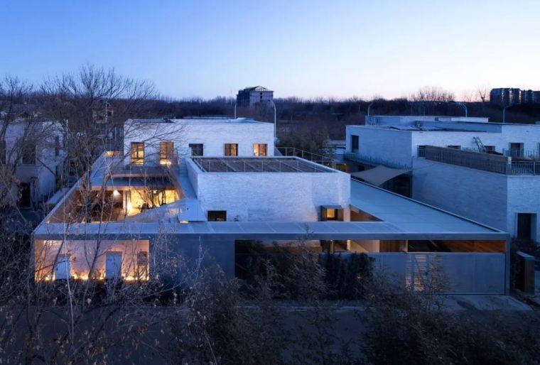 室内装电梯,院子多到像逛公园,这是建筑师为自己打造的豪宅