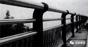 由重庆万州二桥公交坠桥引发的伟德栏杆防撞思考!_15