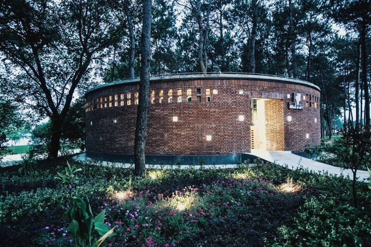 湖北澴河环厕建筑-14