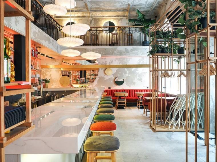 圣彼得堡现代工业风的咖啡厅