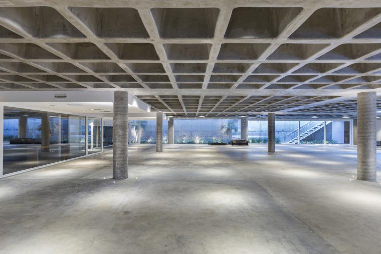 结构与空间融合的JardimdoSol住宅-37