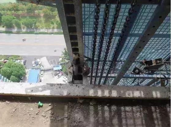 爬架施工,这9个现场安全隐患一定要排除_7