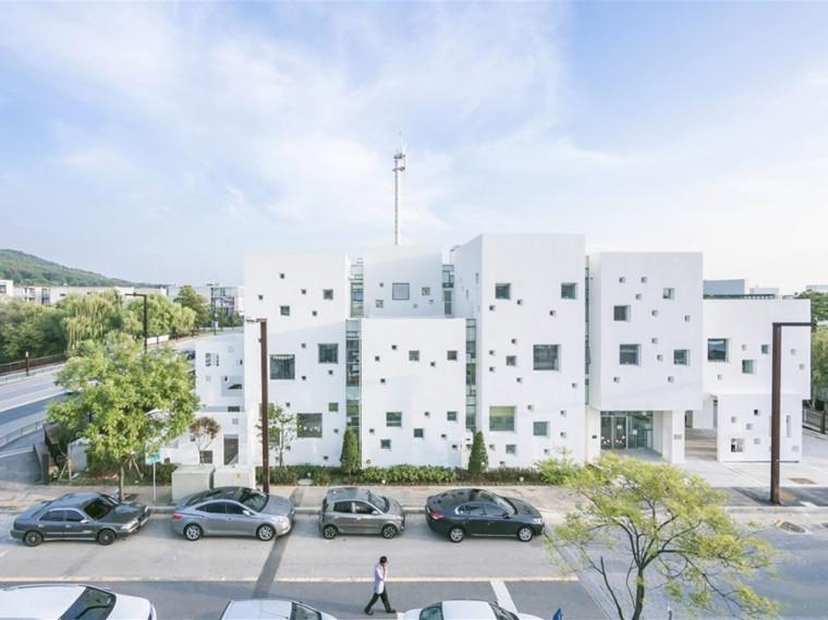 韩国白色立方体矩阵幼儿园