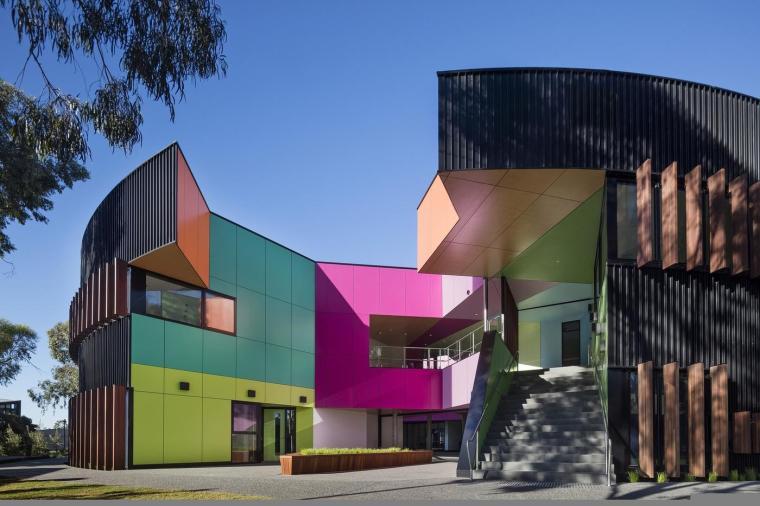 WAN 建筑色彩奖2016获得者——艾文霍语法高中及科学中心