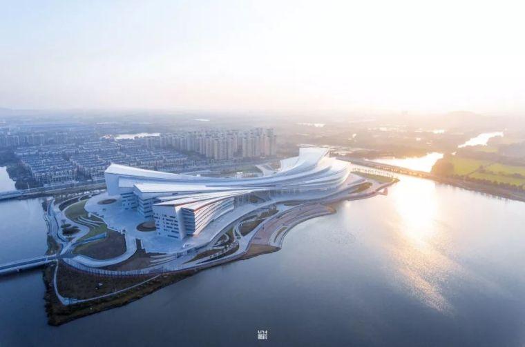 新作 | 曲线的自由:湖州市吴兴区文体中心