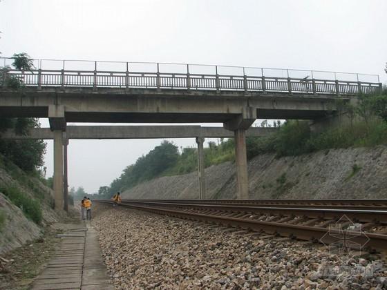 三跨T梁桥顶升工程施工技术方案(公跨铁)