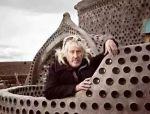 这个老炮儿建筑师让难民住垃圾堆,却赢得全世界尊重!