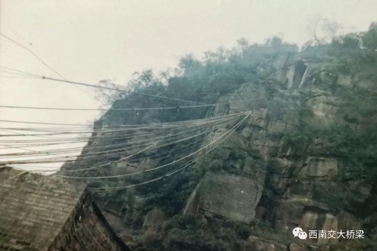 16人死亡!正在施工的桥梁半幅突然垮塌,事故过程、原因详解_13