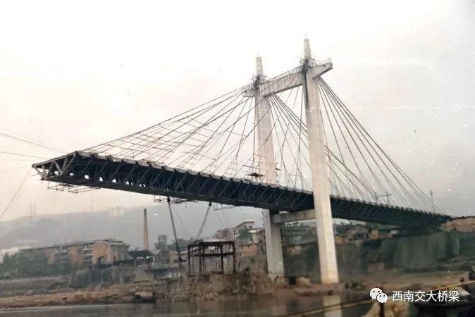 16人死亡!正在施工的桥梁半幅突然垮塌,事故过程、原因详解_14