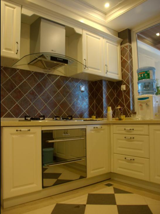 雅安三层豪华别墅室内设计施工图(含效果图)-厨房实景图