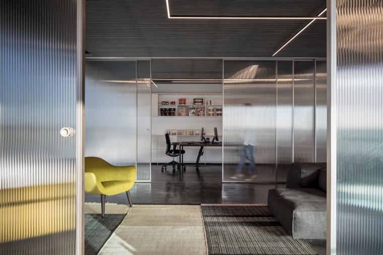 Basix灵活且动态的总部办公室-10