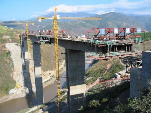 桥梁梁段悬浇施工是怎么做的?看看这里就全懂了!